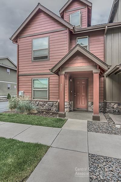 Redmond OR Condo/Townhouse For Sale: $200,000