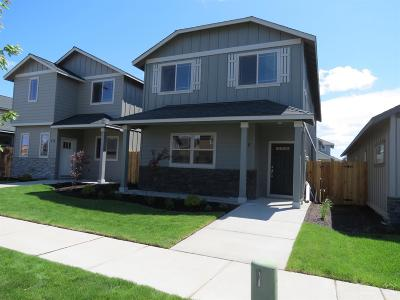 Redmond Single Family Home For Sale: 160 Northwest 30th Street