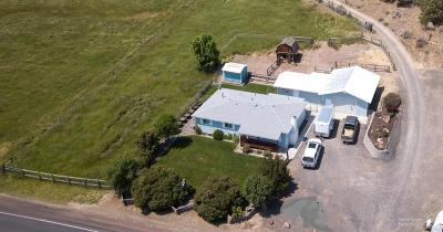 Prineville Single Family Home For Sale: 877 Northeast Barnes Road