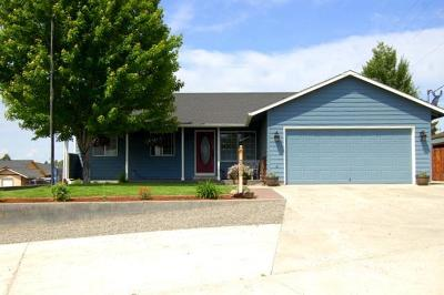 Prineville OR Single Family Home For Sale: $308,000