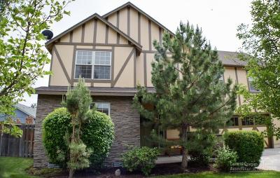 Redmond OR Single Family Home Contingent Bumpable: $309,000