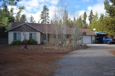 La Pine Single Family Home Contingent Bumpable: 52181 Elderberry Lane