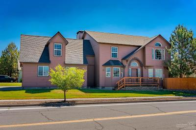 Bend Single Family Home For Sale: 20755 Snow Peaks Drive
