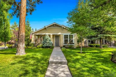 Bend Single Family Home For Sale: 19444 Blue Lake Loop