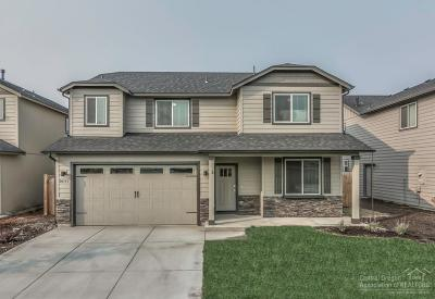 Bend Single Family Home For Sale: 20353 Elaine