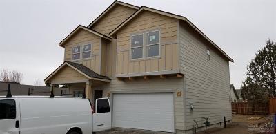 Single Family Home For Sale: 3174 NE Coho Street