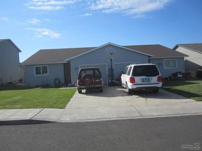 Redmond Multi Family Home For Sale: 562 Northeast Larch Avenue