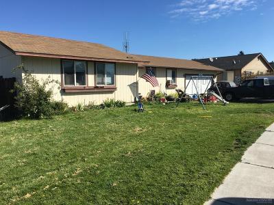 Redmond Single Family Home For Sale: 2815 SW Pumice Avenue
