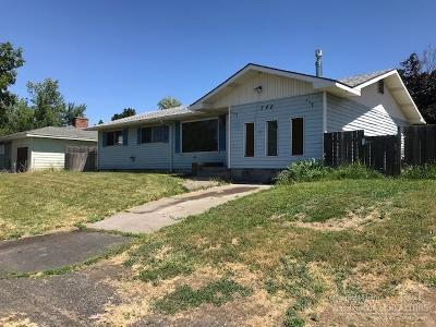 Single Family Home For Sale: 548 NE Fir Street
