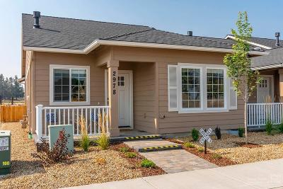 Redmond Condo/Townhouse For Sale: 2978 NW Greenwood Court