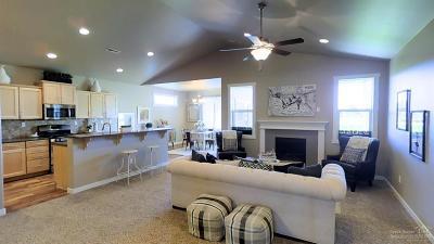 Redmond Single Family Home For Sale: 3666 SW Pumice Avenue