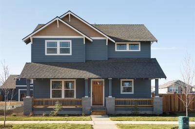 Single Family Home For Sale: 2713 NE Black Oak Place