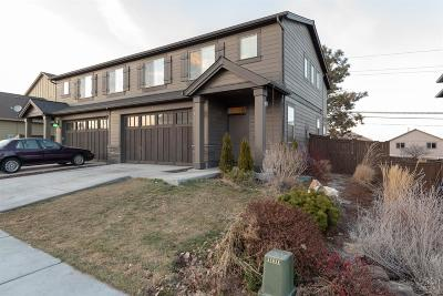 Condo/Townhouse For Sale: 3023 SW Antler Lane