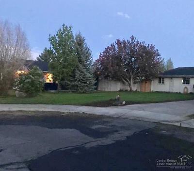 Redmond Single Family Home For Sale: 3348 SW Pumice Avenue