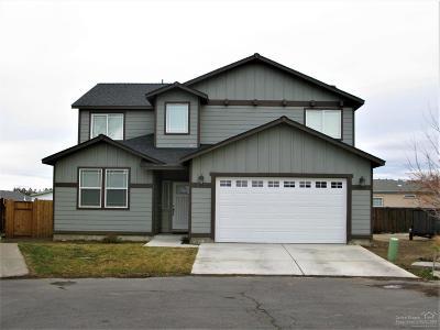 Redmond Single Family Home For Sale: 808 NE Apache Court