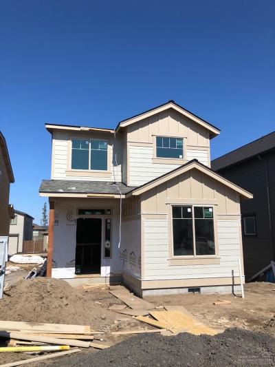 Single Family Home For Sale: 20852 SE Sunniberg Lane