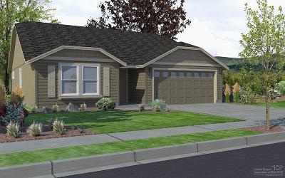 Redmond Single Family Home For Sale: 3647 SW Pumice Avenue