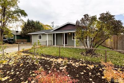 Redmond Single Family Home For Sale: 831 NW 7th Street