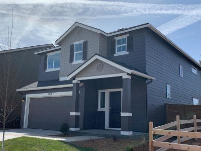 Single Family Home For Sale: 20555 SE Cameron Avenue