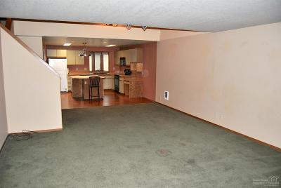 Condo/Townhouse For Sale: 1050 NE Butler Market #55