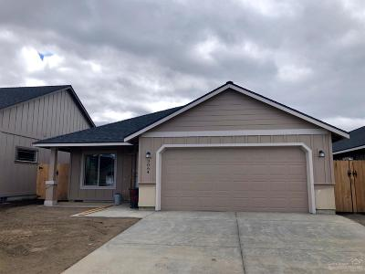 Redmond Single Family Home For Sale: 3064 NW Cedar Avenue