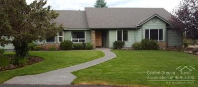 Redmond Single Family Home For Sale: 2460 Linnet Lane