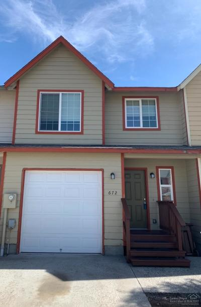Prineville Condo/Townhouse For Sale: 672 NW Pinkston Court