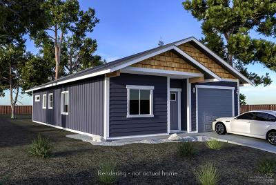 La Pine Single Family Home For Sale: 16432 Bassett Drive