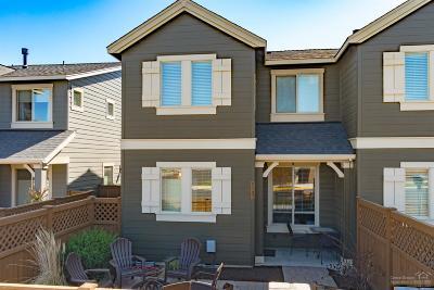 Bend Condo/Townhouse For Sale: 20916 NE High Desert Lane