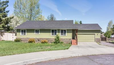 Single Family Home For Sale: 1420 NE Mable Court