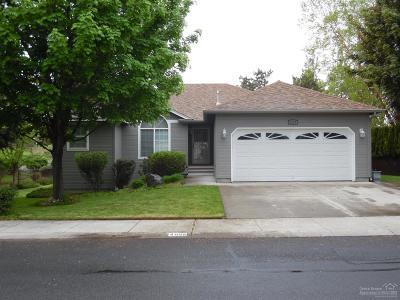 Redmond Single Family Home For Sale: 4055 SW Ben Hogan Drive