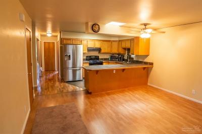Bend Condo/Townhouse For Sale: 872 SE Stratford Court