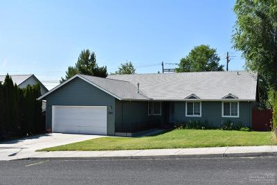 Redmond Single Family Home For Sale: 3027 SW Volcano