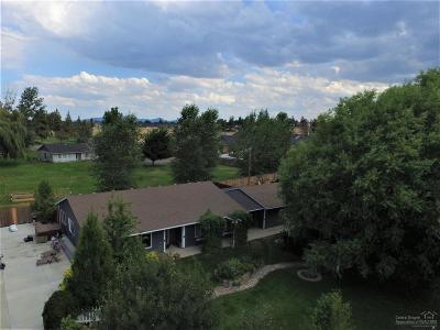 Redmond Single Family Home For Sale: 3435 NW Dogwood Avenue