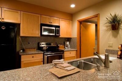 Sunriver Condo/Townhouse For Sale: 17765 Lake Aspen Court