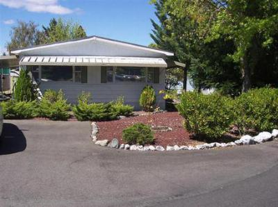 Mobile Home For Sale: 701 Westmont Dr