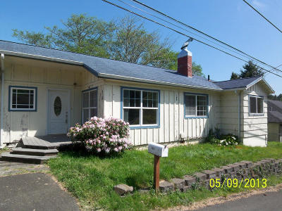 Single Family Home Sold: 2207 NE 28th St