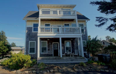 Lincoln City OR Single Family Home Closed: $450,000