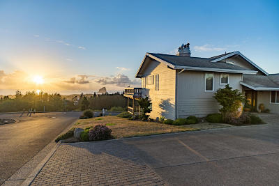Pacific City Single Family Home For Sale: 7220 Dana Ln