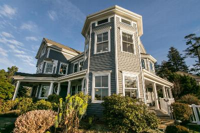 Waldport OR Single Family Home Closed: $599,000