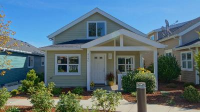 Newport OR Single Family Home Closed: $235,000