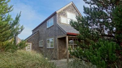 Pacific City OR Single Family Home Sold: $405,000
