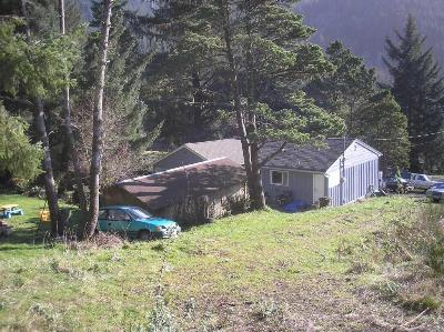 Single Family Home Sold: 901 Yachats River Rd