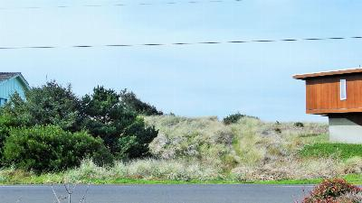 Residential Lots & Land Sold: 2102 NW Oceania Dr