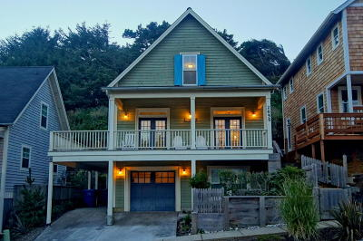 Lincoln City OR Single Family Home Sold: $432,000