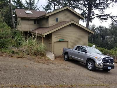 Waldport Single Family Home For Sale: 3614 NW Shore View Loop