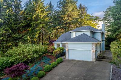 Single Family Home For Sale: 1525 NE Regatta Way