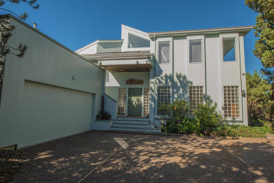 Newport Single Family Home For Sale: 2545 NW Pacific St