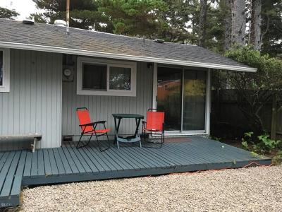 Seal Rock Single Family Home For Sale: 8261 NW Coast Rd