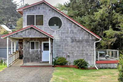 Yachats Single Family Home For Sale: 38 SE Greenhill Dr